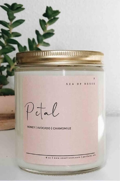 Sea of Roses Petal Soy Candle - Alternate List Image