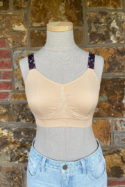 strap its Seamless Padded Bra w LoVe strap - Front cropped