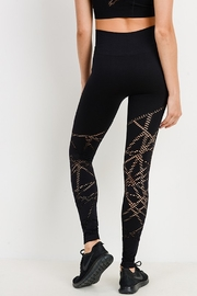 Mono B Seamless Perforated Legging - Side cropped