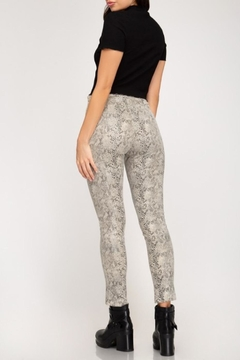 See and Be Seen Stretch Snakeskin Leggings - Alternate List Image