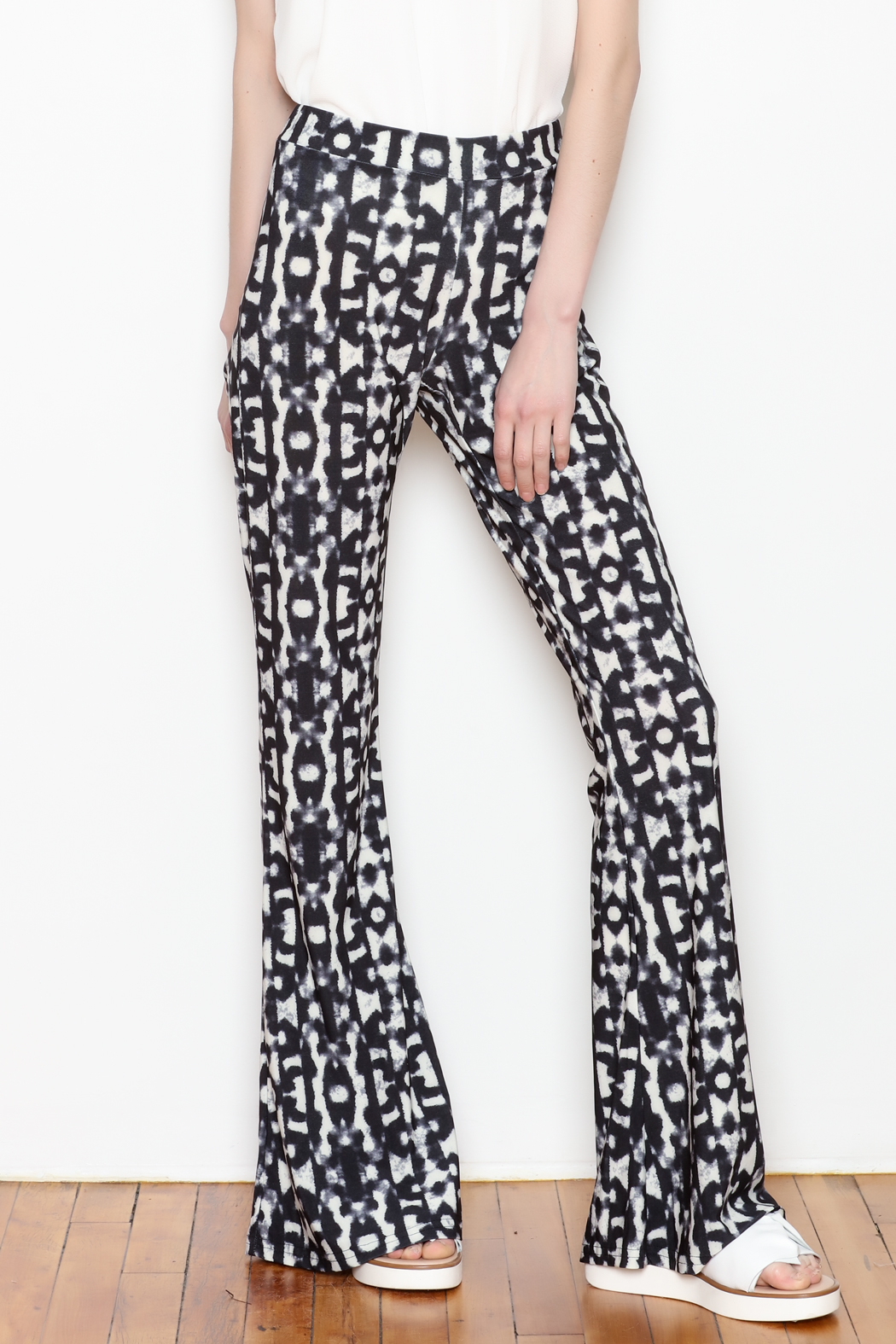 Viereck Serrano Print Flare Pull-on Pant - Front Cropped Image