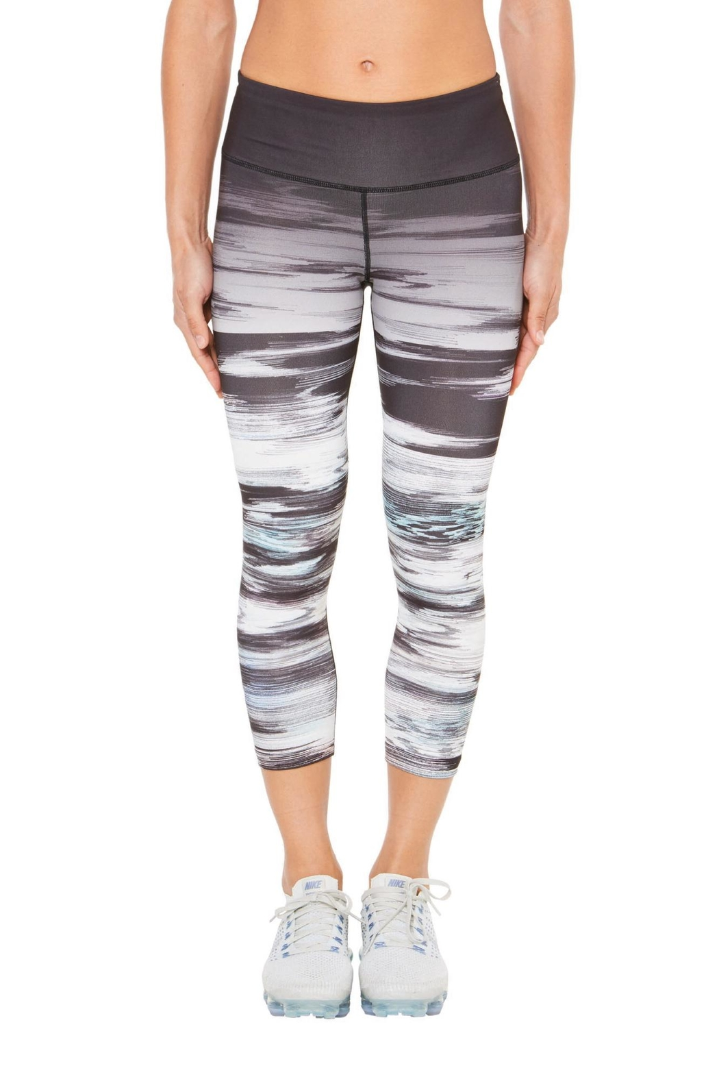SHAPE Activewear Ombre Capri - Front Cropped Image
