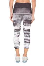 SHAPE Activewear Ombre Capri - Side cropped