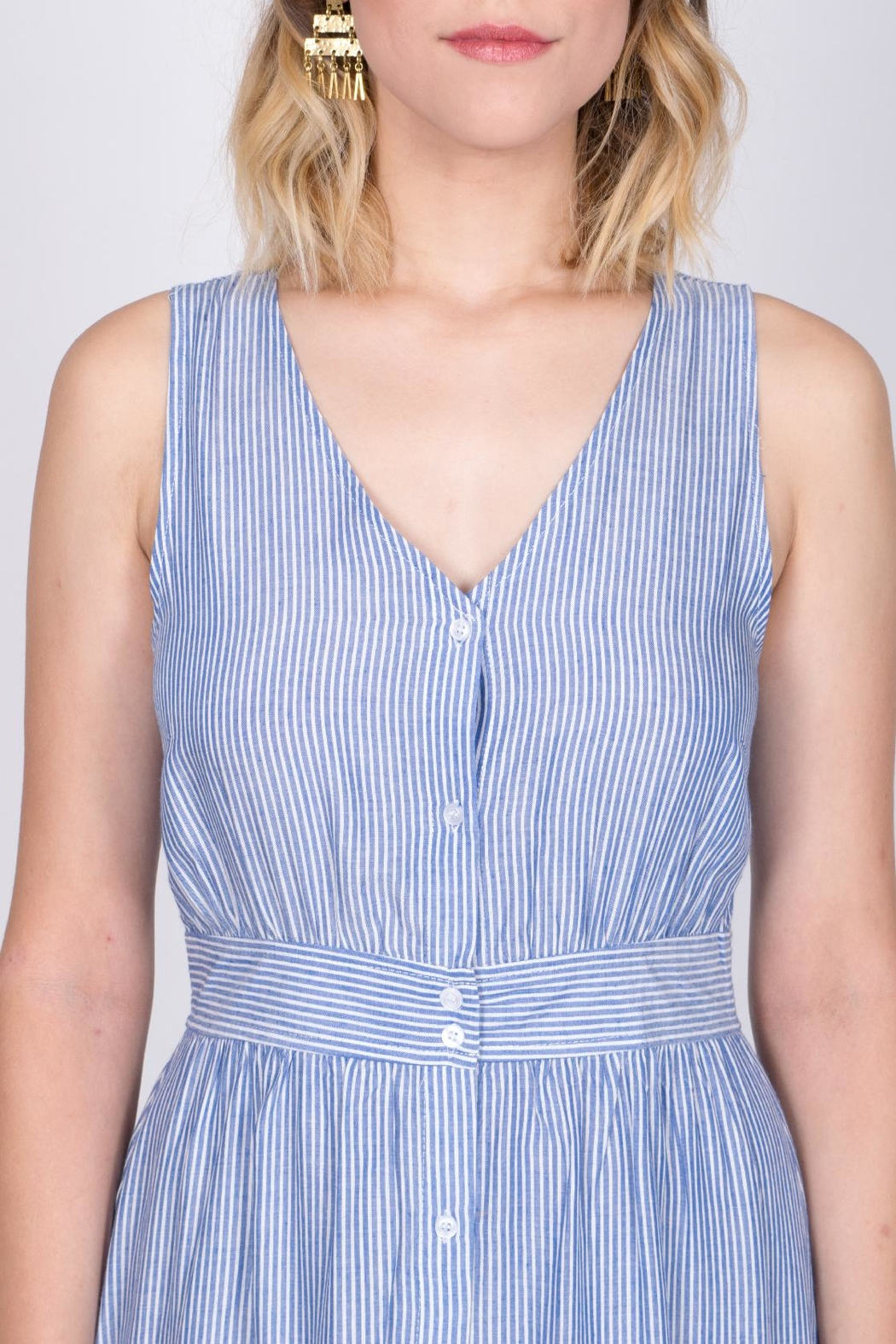 She + Sky Button Down Midi Dress - Side Cropped Image