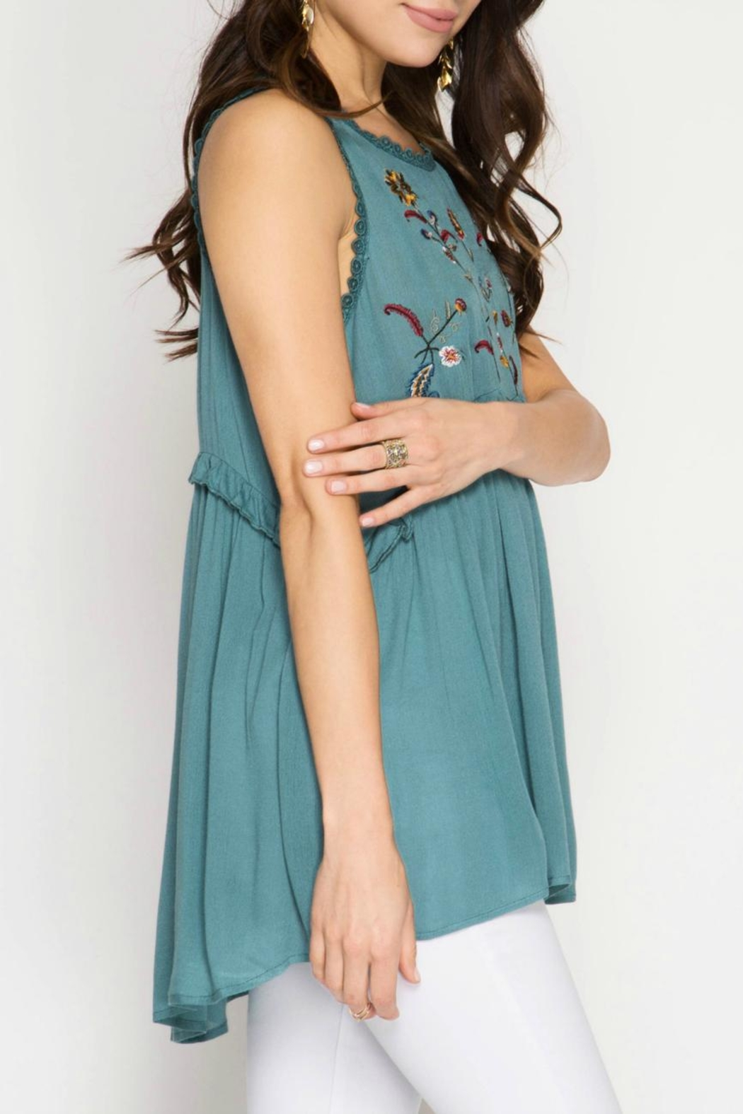 She + Sky Embroidered Tunic Top - Side Cropped Image