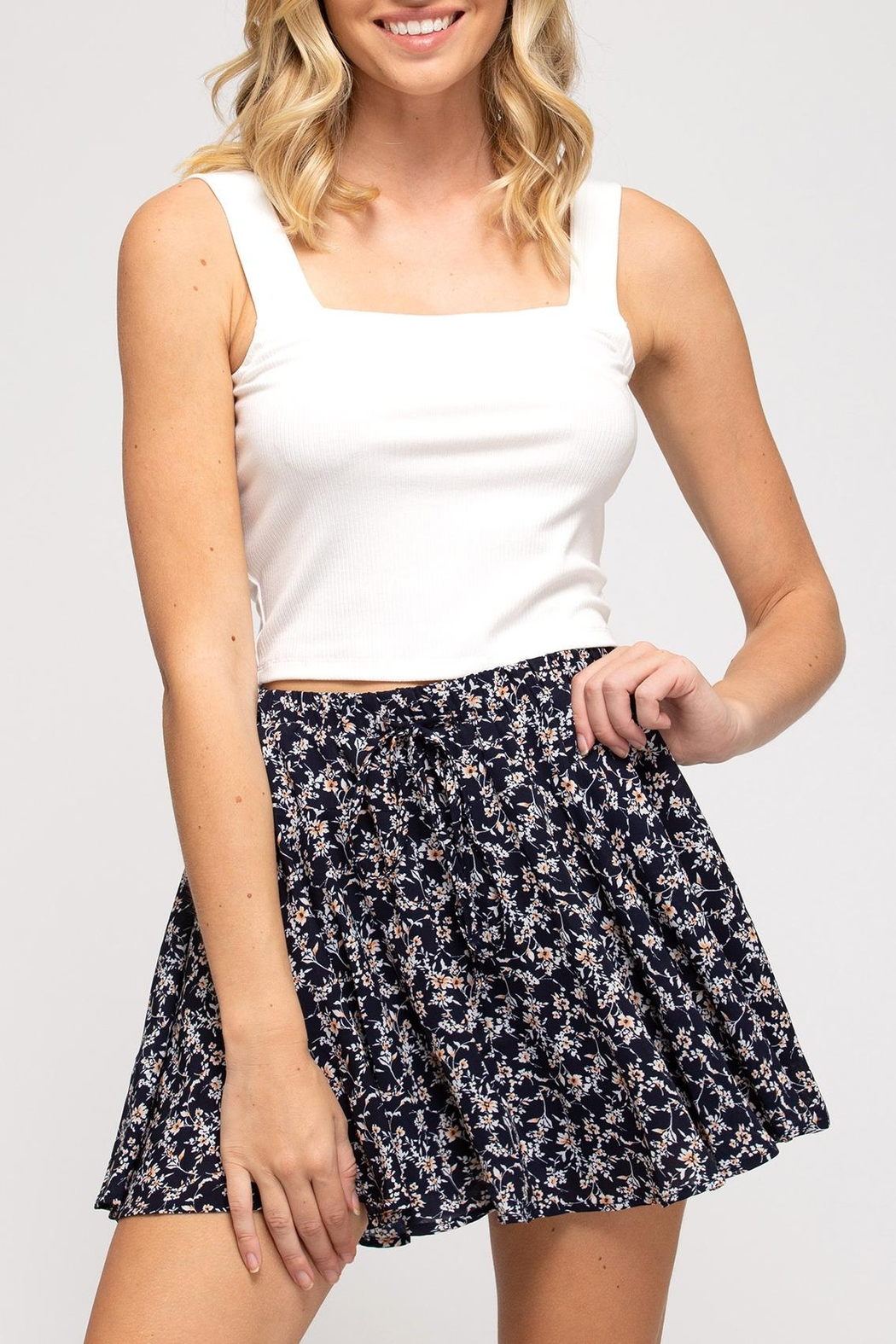 She + Sky Floral Flutter Skirt - Side Cropped Image
