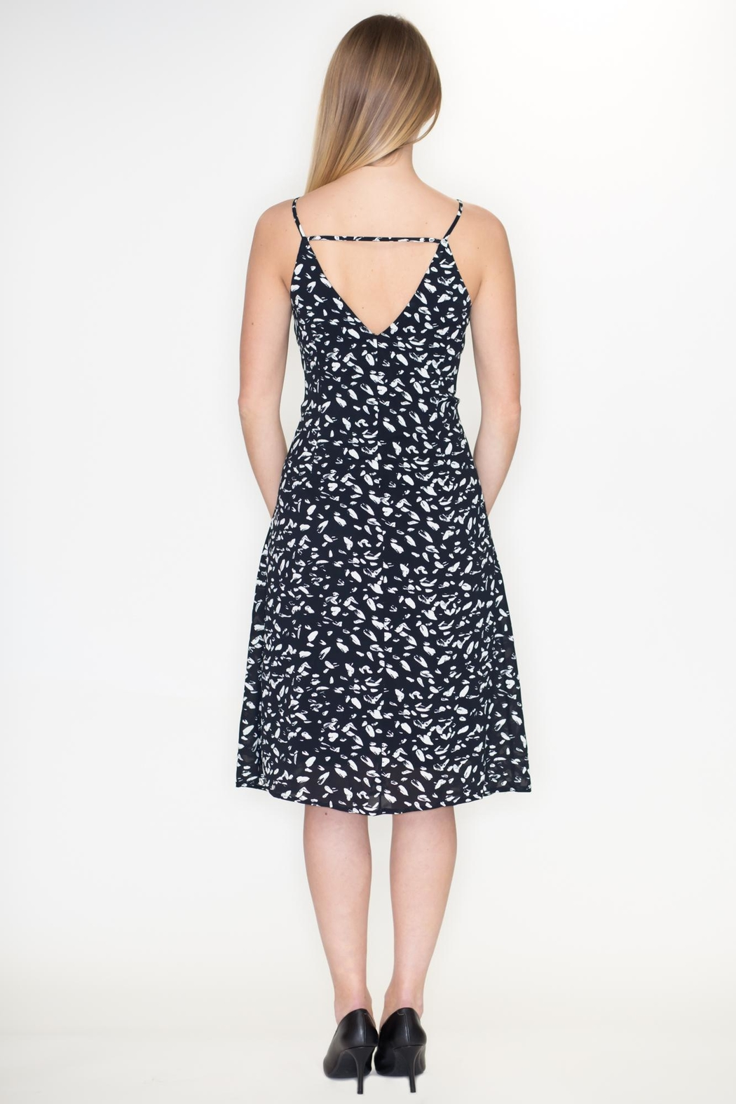 She + Sky Front Tie Dress - Side Cropped Image