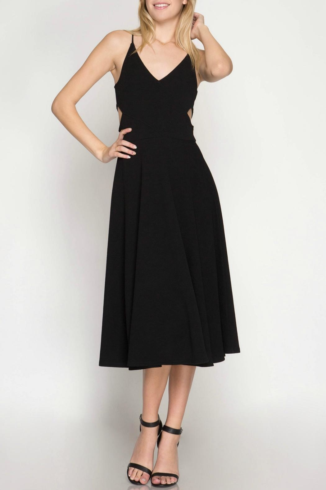She + Sky Textured Midi Dress - Front Cropped Image