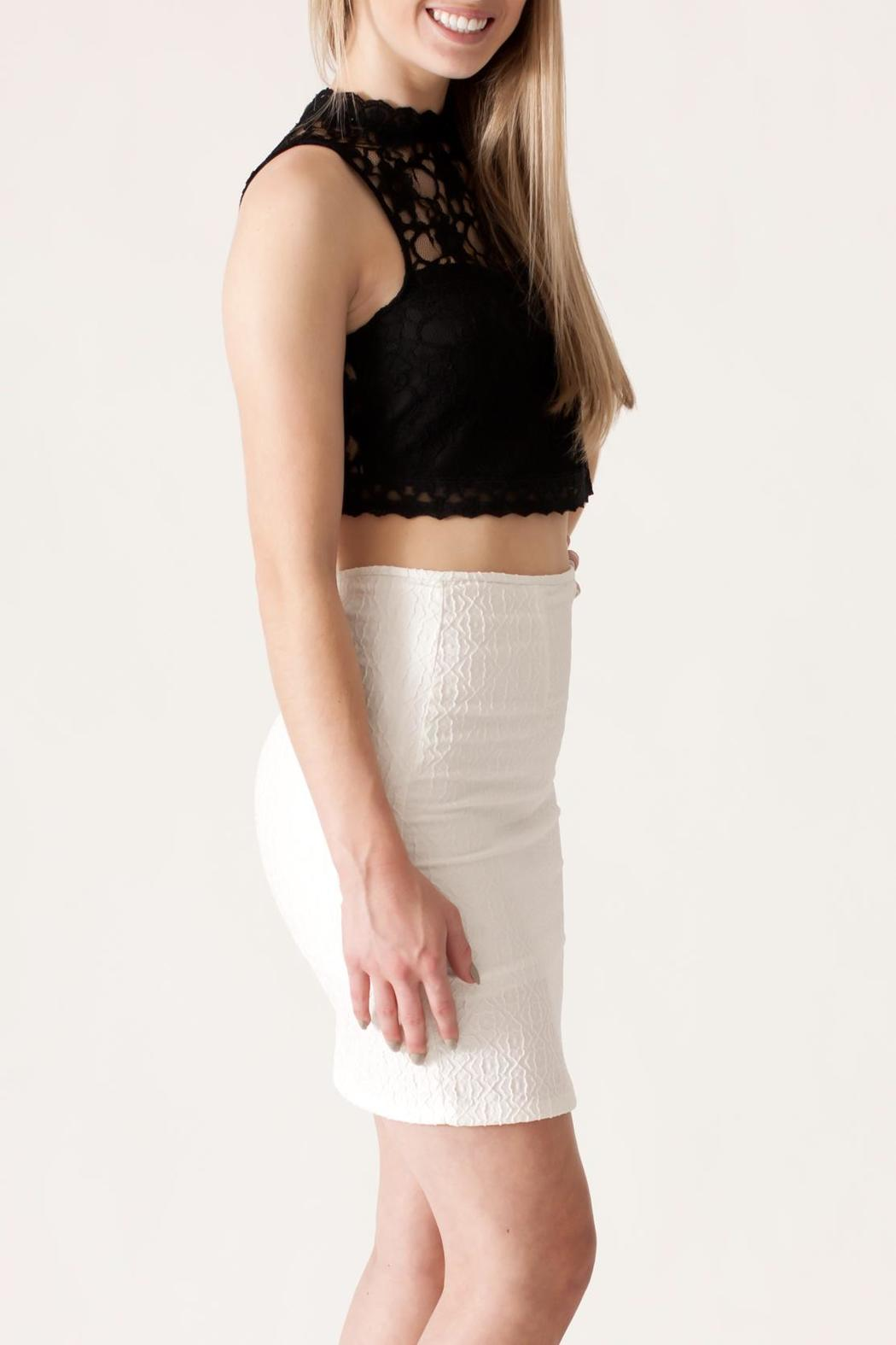 She + Sky Lace Crop Top - Side Cropped Image