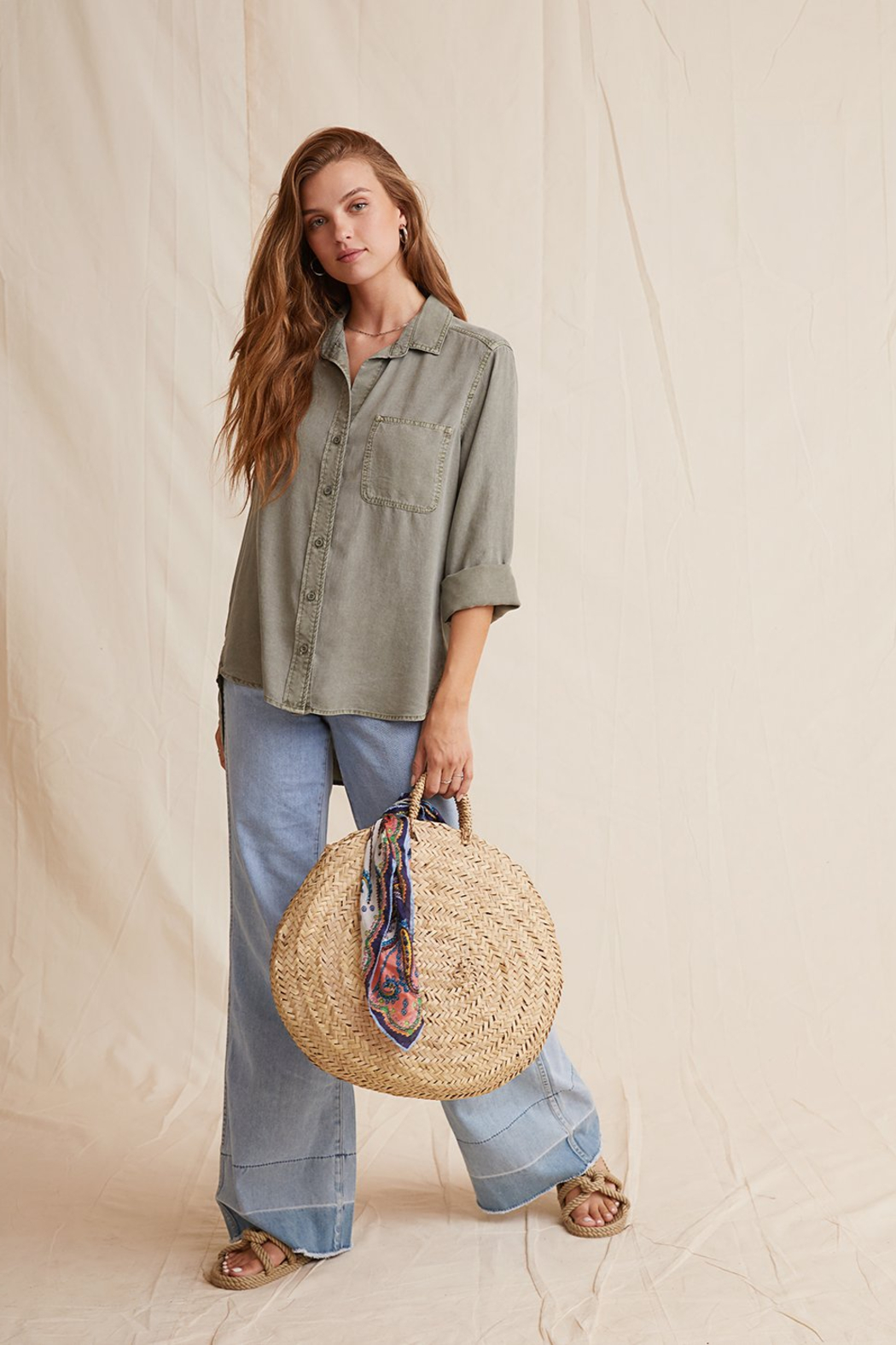 Bella Dahl  Shirt Tail Button Down - Side Cropped Image