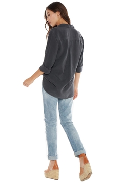Bella Dahl Shirt Tail Button-Up - Alternate List Image