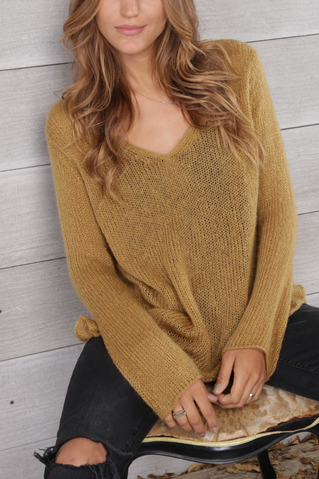 Wooden Ships Shirt-Tails V-Neck Sweater - Front Cropped Image