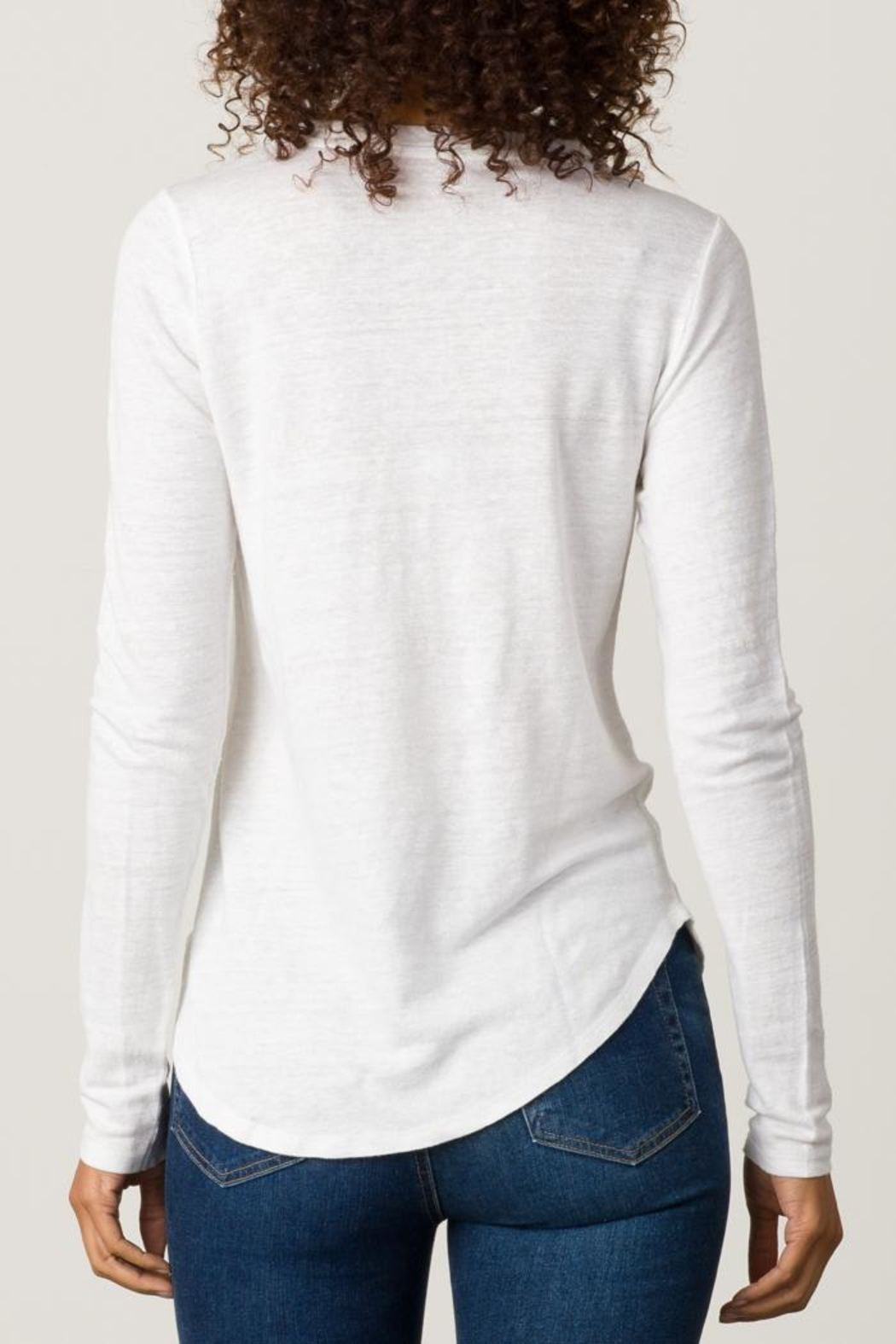 Margaret O'Leary Shirttail Tee - Side Cropped Image