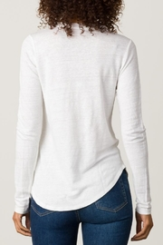 Margaret O'Leary Shirttail Tee - Side cropped