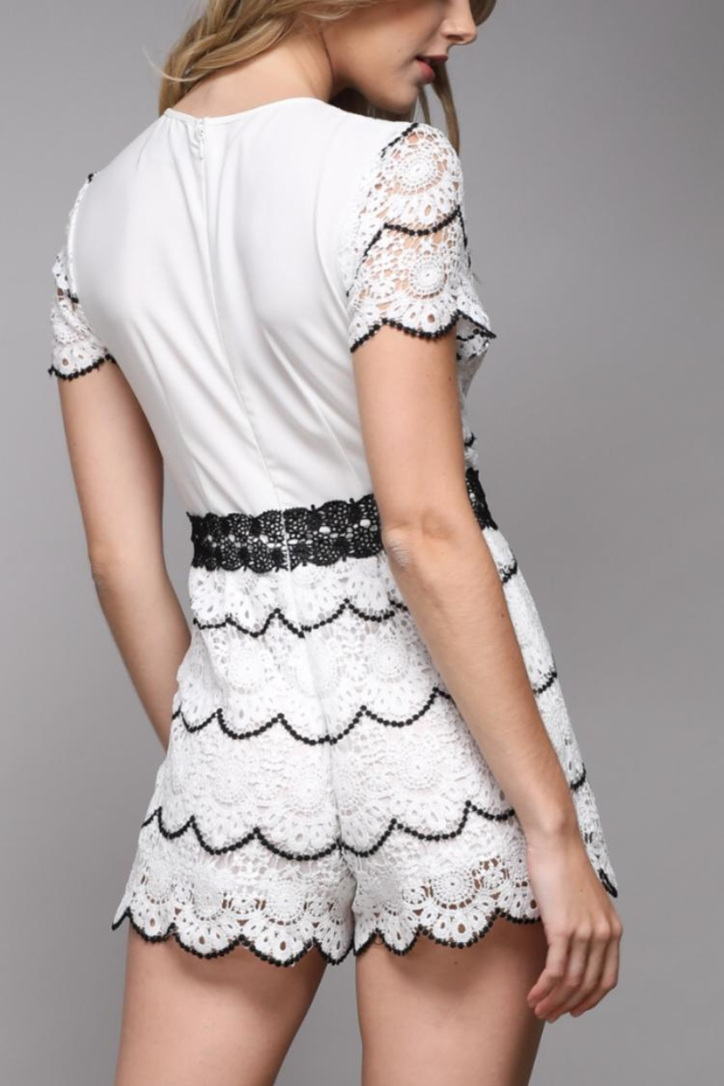 Do & Be Short-Sleeve Lace Romper - Side Cropped Image