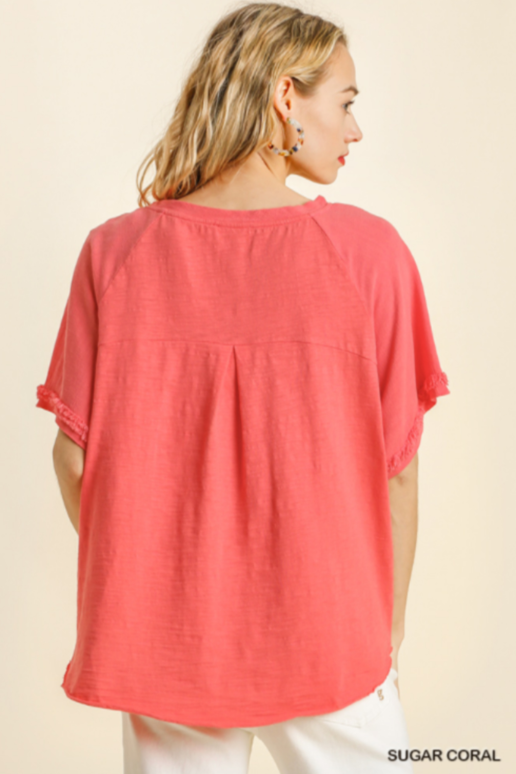 umgee  SHORT SLV LAYERED TOP W/ FRAYED HEM - Side Cropped Image