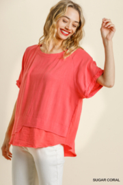 umgee  SHORT SLV LAYERED TOP W/ FRAYED HEM - Front cropped