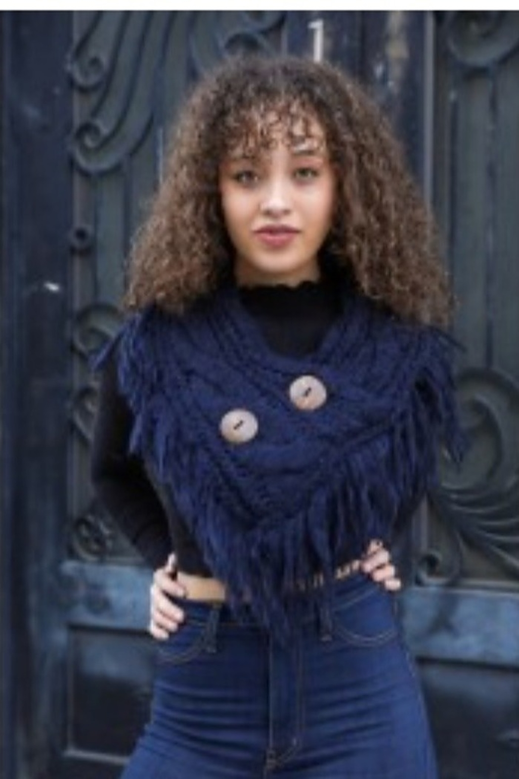 Leto shoulder scarf with buttons - Main Image