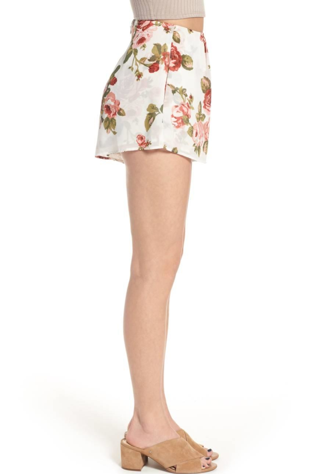 Show Me Your Mumu White Floral Shorts - Side Cropped Image