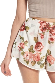 Show Me Your Mumu White Floral Shorts - Back cropped