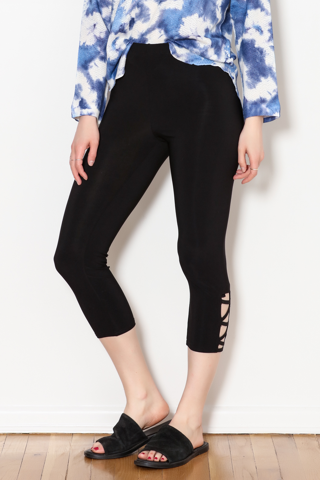 Bali Side Ankle Cut Out Capri - Front Cropped Image