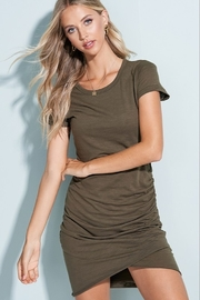 LA MIEL  Side Rouche Tee Shirt Dress - Front cropped