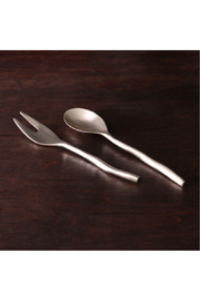 The Birds Nest SIERRA MODERN MAIA SALAD SERVERS - Front cropped