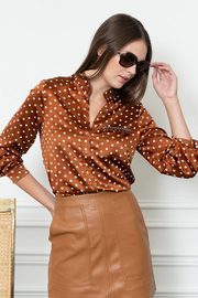 The Shirt  SIGNATURE BUTTON DOWN SHIRT - Front cropped