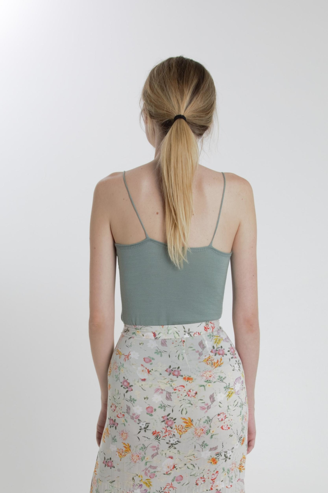 Thread+Onion Signature Knit Tank - Side Cropped Image