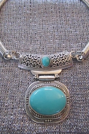 KIMBALS SILVER EMBOSSED METAL CHOKER - TURQUOISE STONE - Front cropped