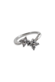 Malia Jewelry Silver Flower Ring - Front cropped