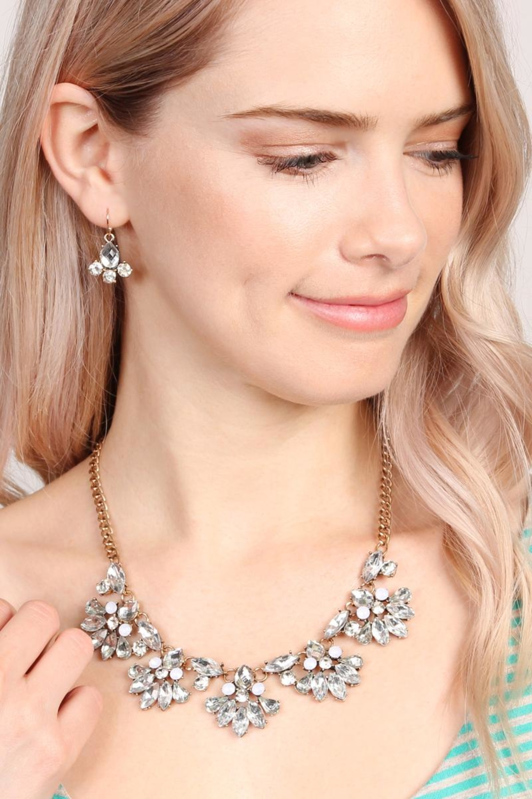 Riah Fashion Silver Necklace & Earring - Front Full Image