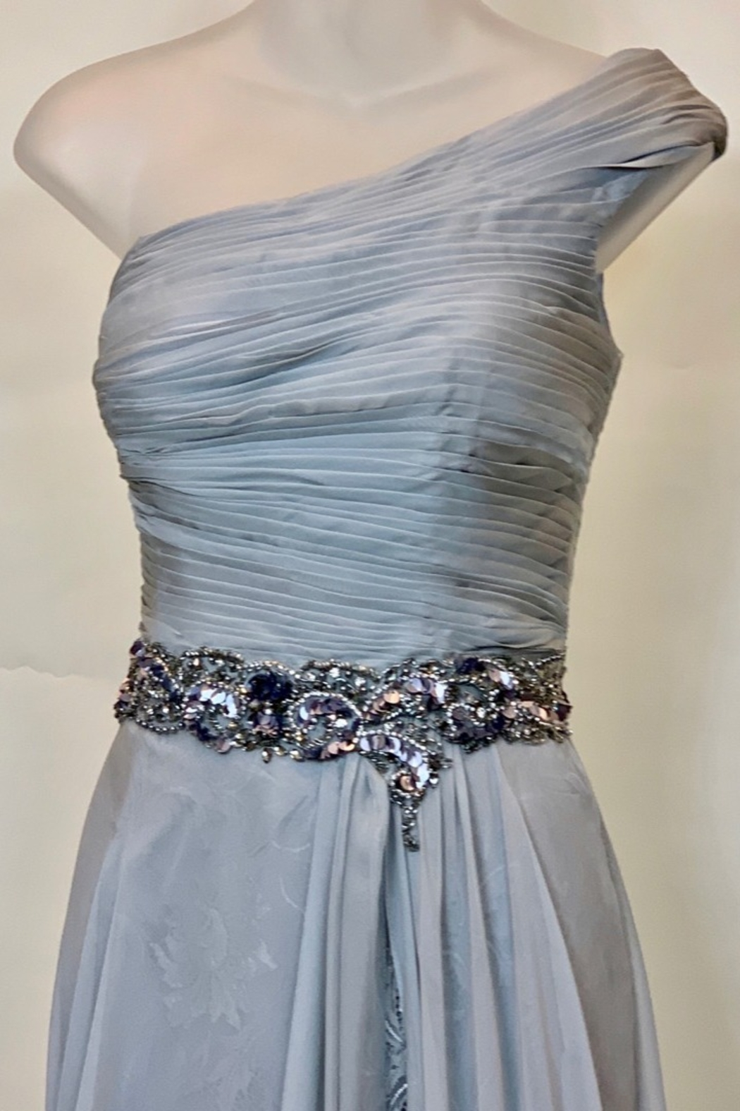 Mac Duggal SILVER OS PLEATED BODICE DRESS - Front Full Image