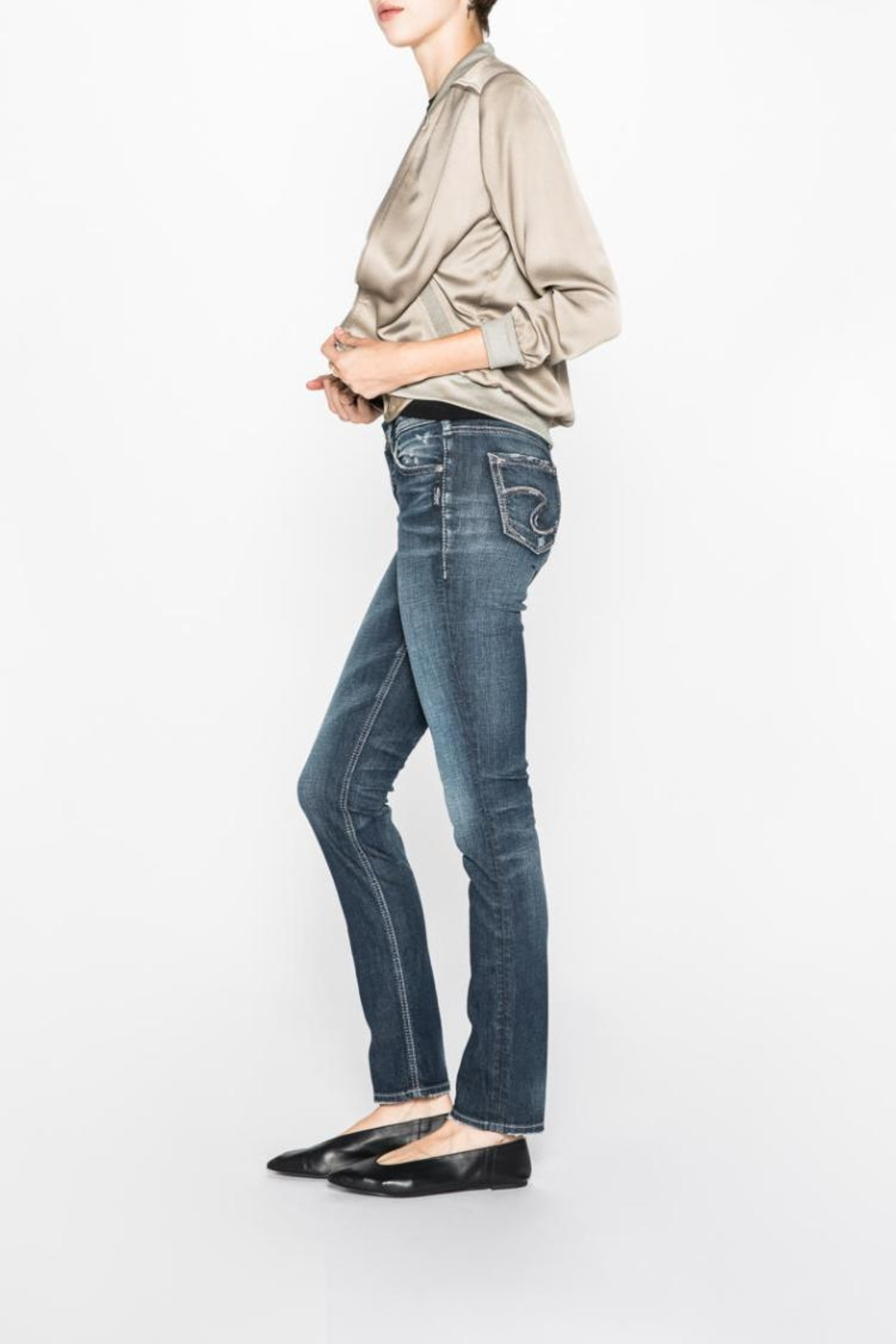 Silver Jeans Co. Eylse Eased-Curve Straight - Side Cropped Image