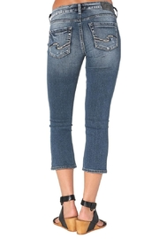 Silver Jeans Co. Curvy Kick Crop - Side cropped