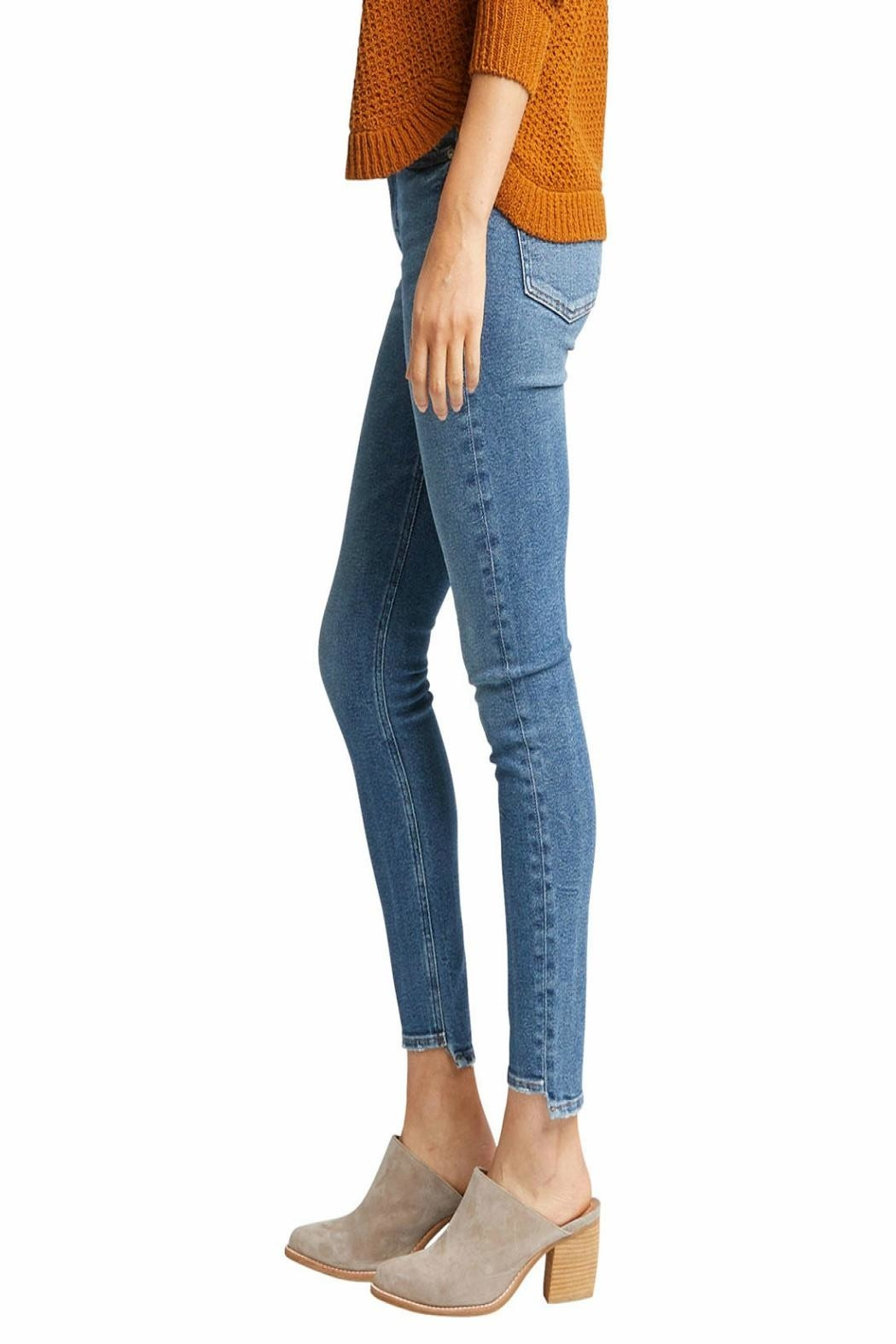 Silver Jeans Co. Most Wanted Skinny - Side Cropped Image
