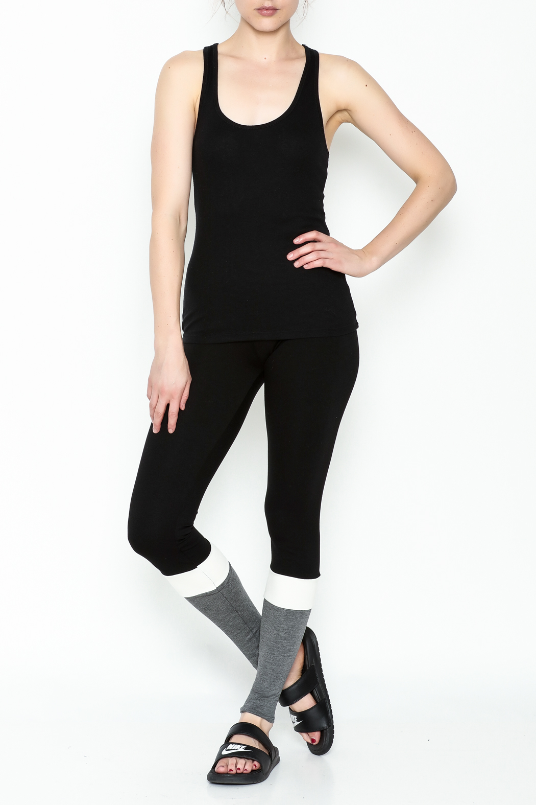 simple the label Color Block Leggings - Side Cropped Image