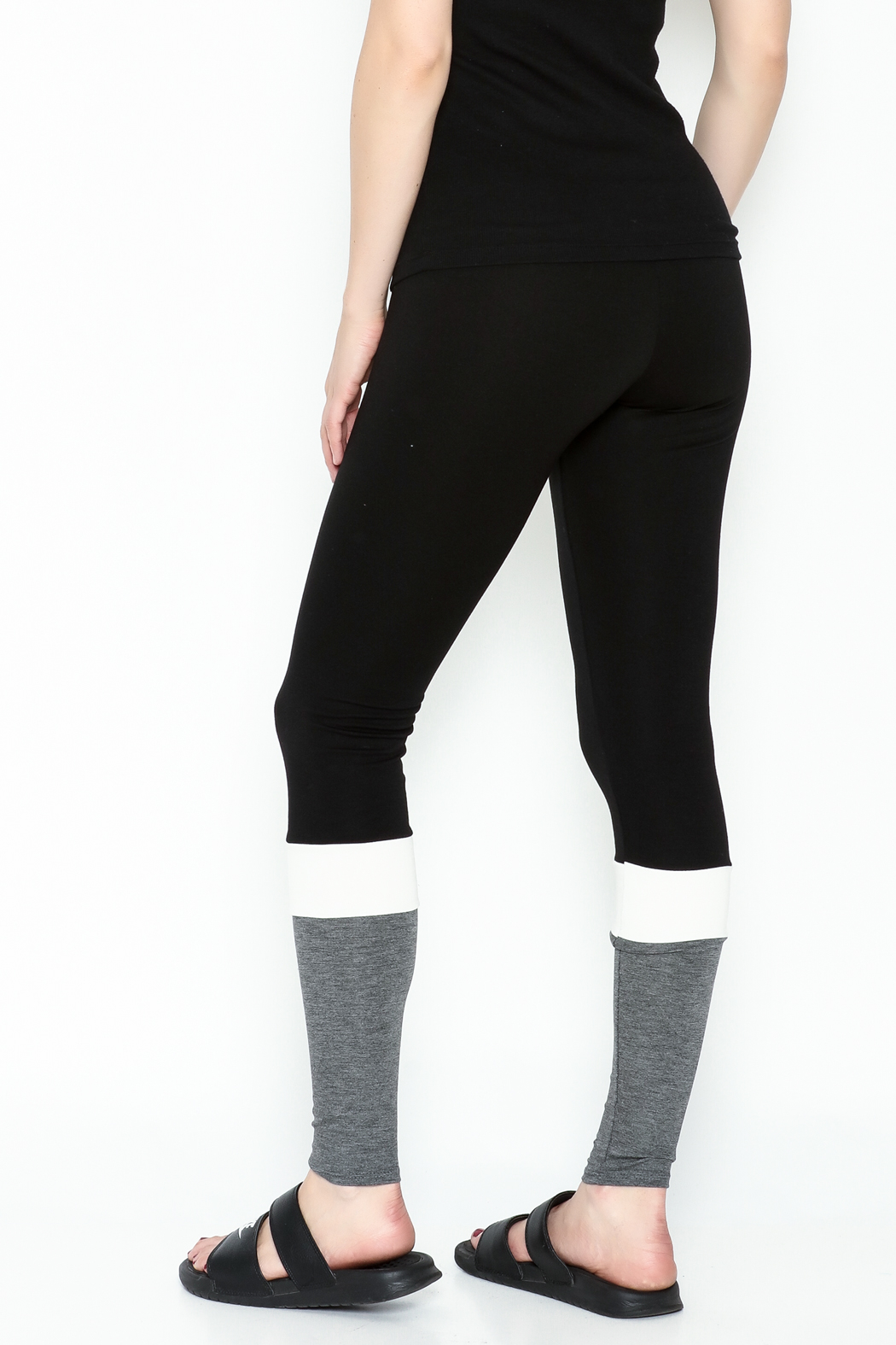 simple the label Color Block Leggings - Back Cropped Image