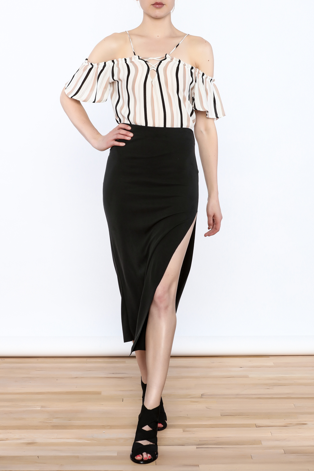 simple the label Modern Bodycon Skirt - Front Full Image