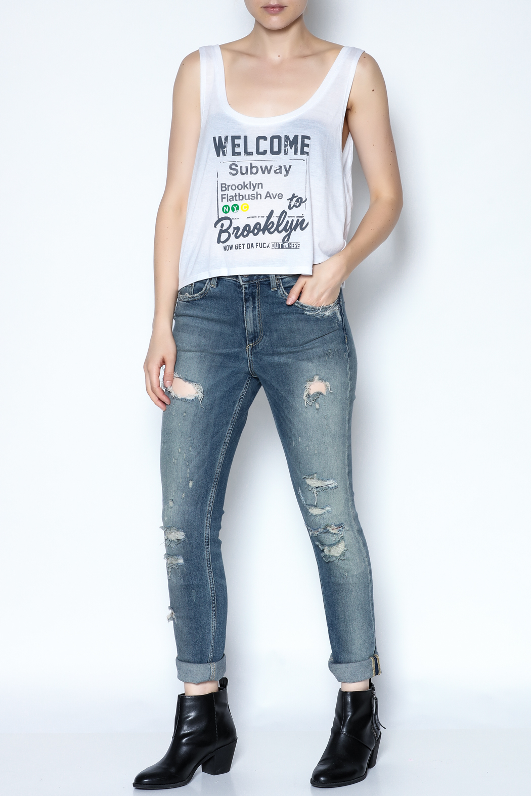 simple the label Welcome To Brooklyn Tee - Side Cropped Image