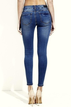 Simply Chic Butt Magic Skinny Jeans - Alternate List Image