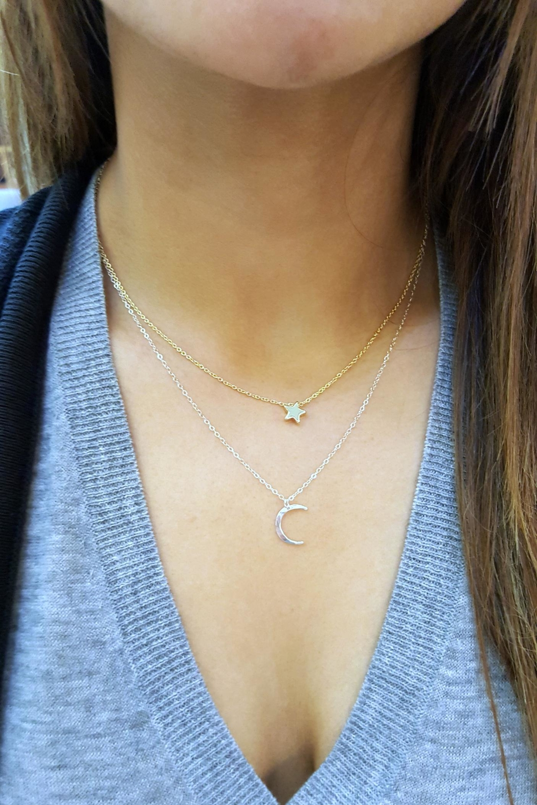 Simply Chic Crescent Moon Necklace - Main Image
