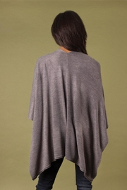 Simply Noelle Heathered Bordeaux Cardi Wrap Poncho Putty - Side cropped