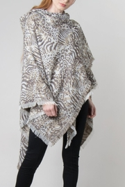 Simply Noelle Hooded Wrap Jaquard Print Poncho - Back cropped