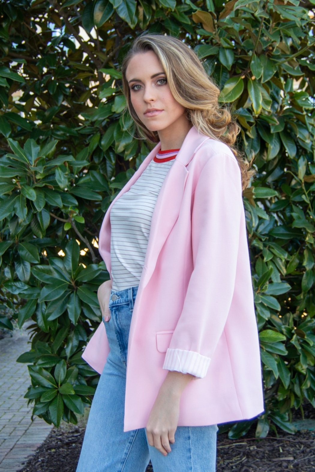 Cupcakes and Cashmere Siri Open Oversize Blazer - Side Cropped Image