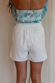 Skies Are Blue Beckham Shorts - Side cropped