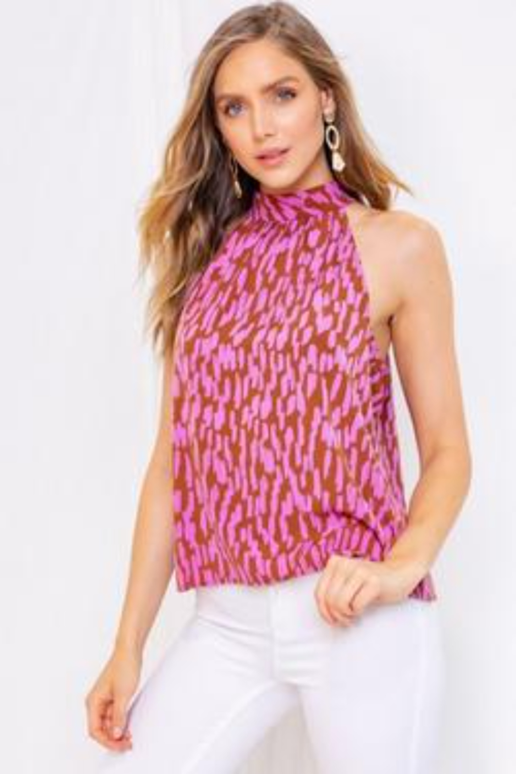Gilli  Sleeveless Abstract Halter Top - Front Cropped Image