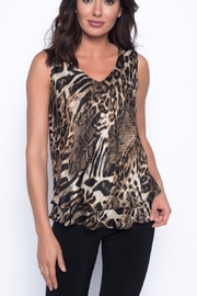 Frank Lyman Sleeveless animal print top - Product Mini Image