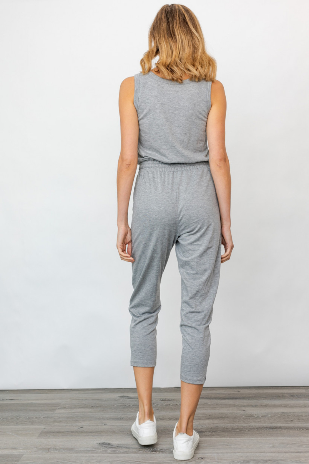 Gilli USA Sleeveless Drawstring Jumpsuit - Side Cropped Image