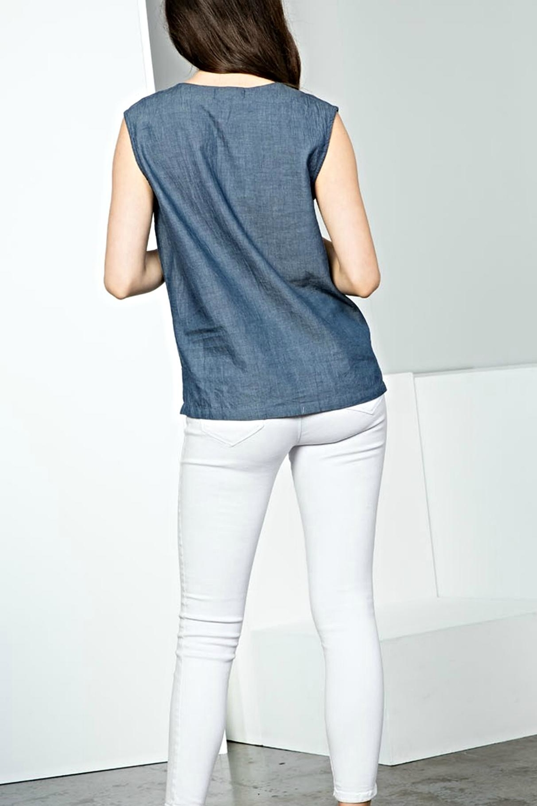 THML Clothing Sleeveless Embroidery Top - Side Cropped Image